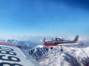 編隊飛行 日光連山上空9000ft