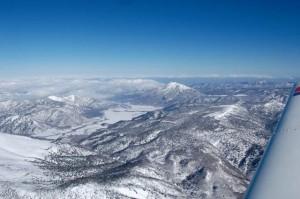 至仏上空9500ft、尾瀬ヶ原と燧ケ岳・尾瀬沼