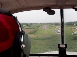 大利根飛行場への着陸